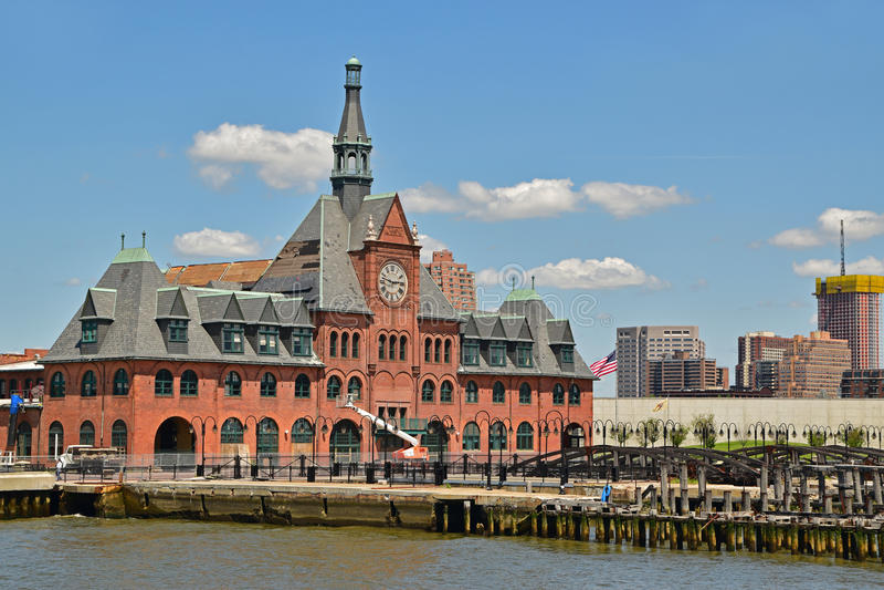 Старое здание железной дороги централи стержня Нью-Джерси стоковые фотографии rf