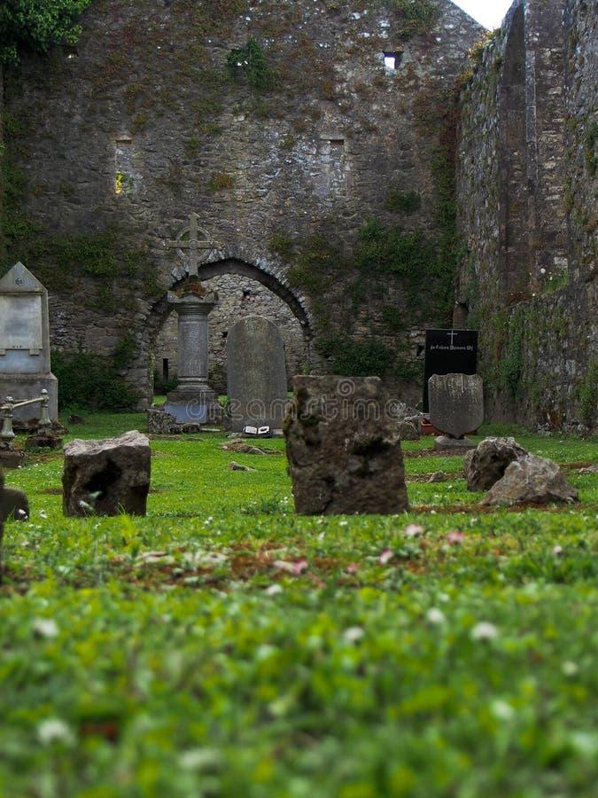 Старое ирландское кладбище стоковое изображение