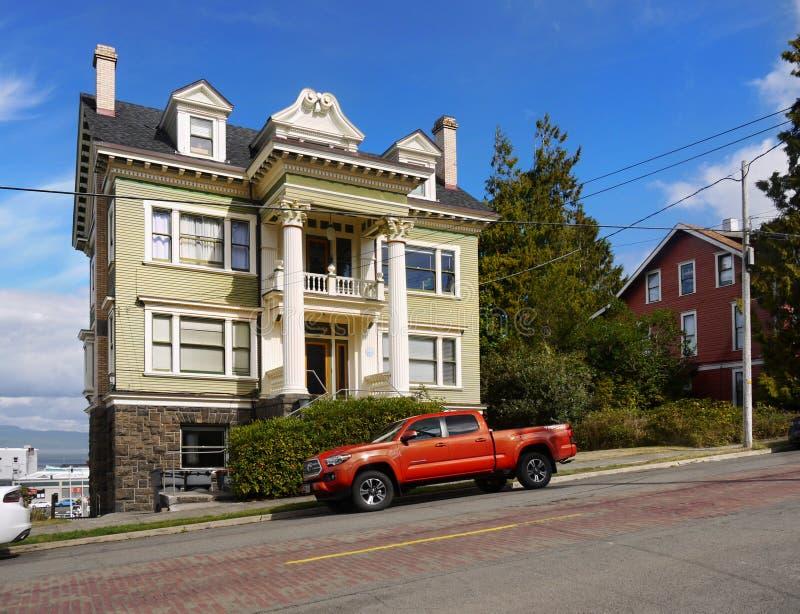 Старое историческое викторианец самонаводит Astoria, Орегон стоковые изображения rf