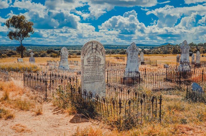 Старое и выдержанное кладбище Ravenswood стоковое фото rf