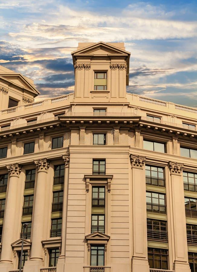 Старое каменное офисное здание в Барселоне стоковые фотографии rf