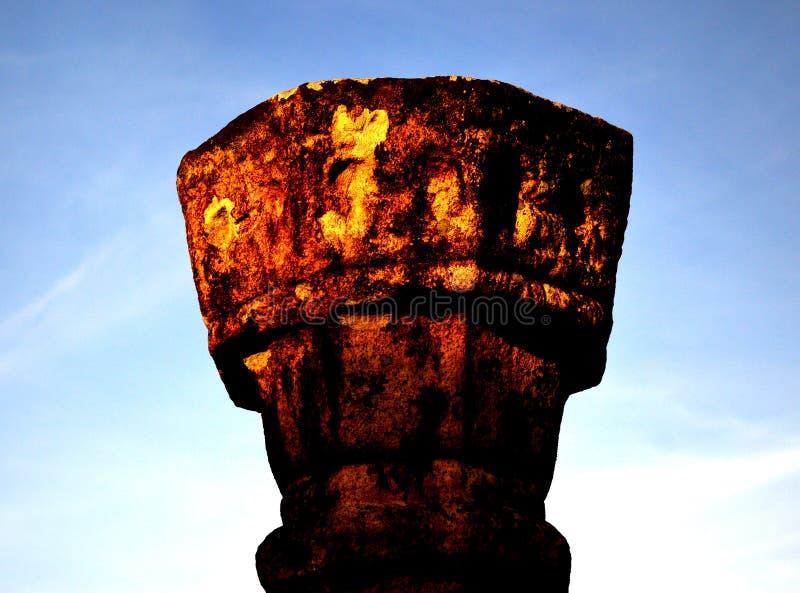 Старое каменное Piller в Medirigiriya Vatadageya, Шри-Ланке стоковое фото