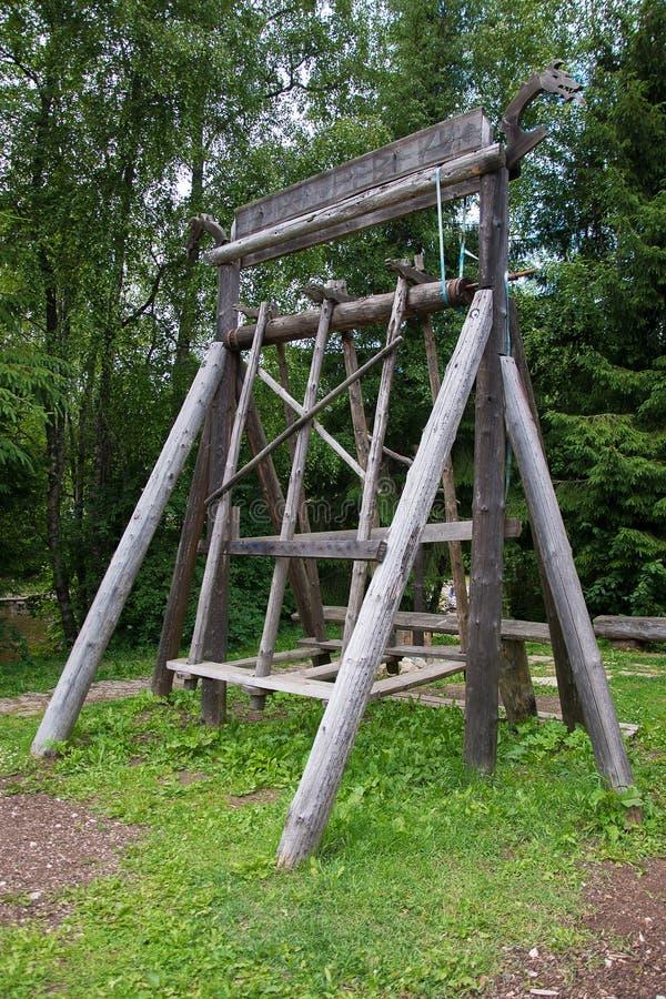 старое качание деревянное стоковое фото