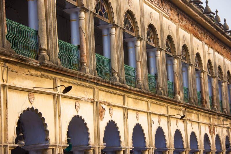Старое колониальное здание в восточной Индии стоковое изображение rf