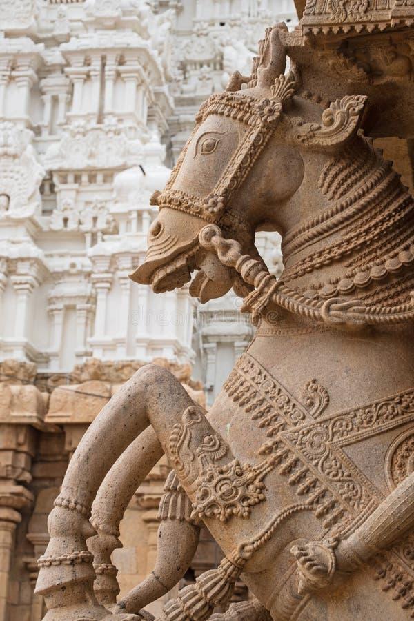Старое конноспортивное резное изображение в Tamil Nadu стоковые изображения