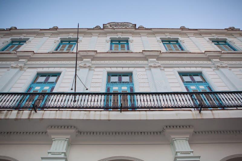 Старое колониальное здание в Гаване Vieja Куба стоковое изображение