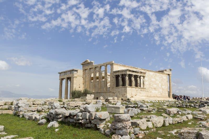Старое крылечко Caryatides в акрополе, Афинах, Греции стоковые фотографии rf