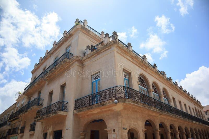 Старое кубинское здание стоковые изображения rf