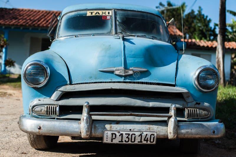Старое кубинськое автомобильное вид сзади стоковая фотография rf