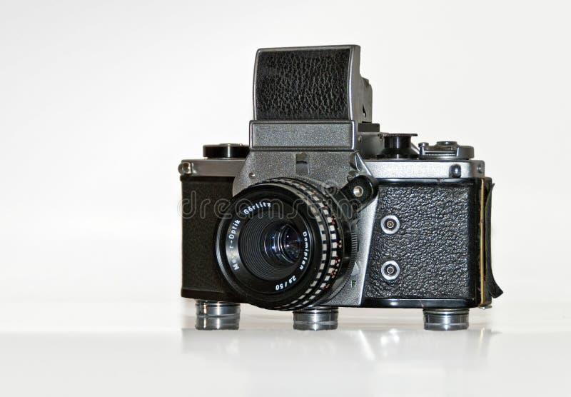 Старое механически эксплуатируемое camer отражения одиночной линзы стоковое фото