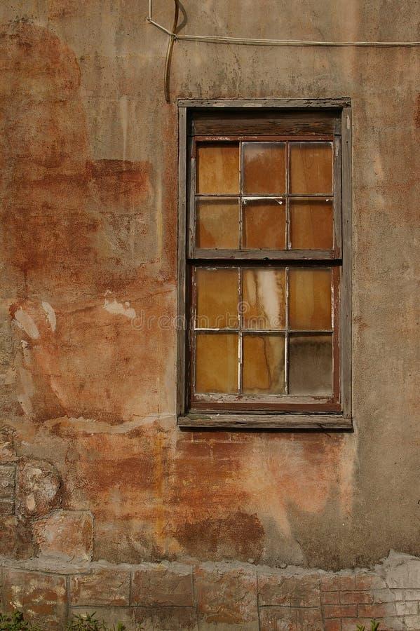 Download старое окно стоковое фото. изображение насчитывающей grunge - 481902