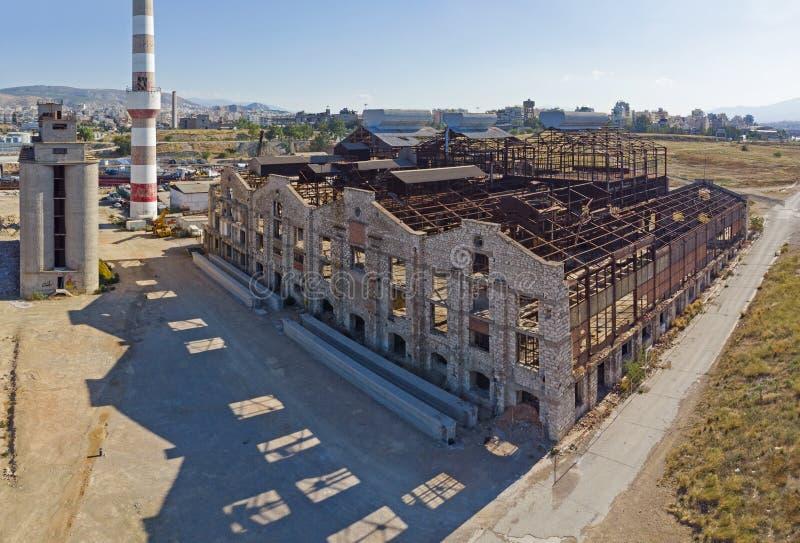 Старое, покинутое промышленное здание на Пирее стоковые изображения rf
