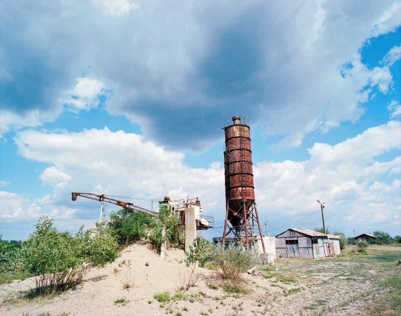 Старое покинутое силосохранилище стоковое изображение rf