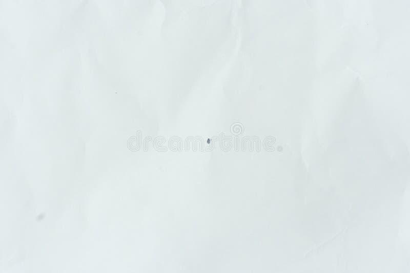 Старое серое eco скомкало текстуру предпосылки kraft рисовальной бумаги в мягкой концепции цвета белого света для дизайна обоев с стоковая фотография rf