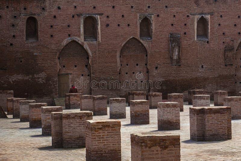 Старое Cour мечети Koutoubia Al в Marrakesh, Марокко стоковая фотография