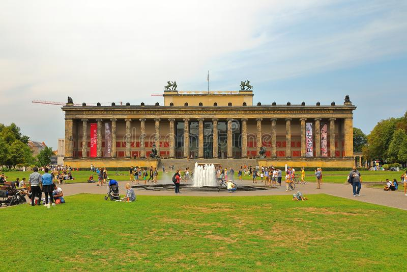 Старое façade музея Altes музея, Берлин, Германия Deutschland стоковое изображение