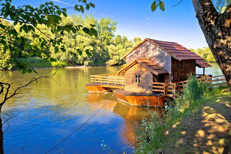Старое watermill на взгляде реки Мураы стоковая фотография rf