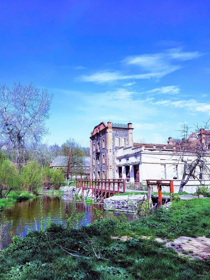 Старое watermill на реке ошибки Pivdenniy, Sokilets, регионе Vinnytsya, Украине стоковые изображения