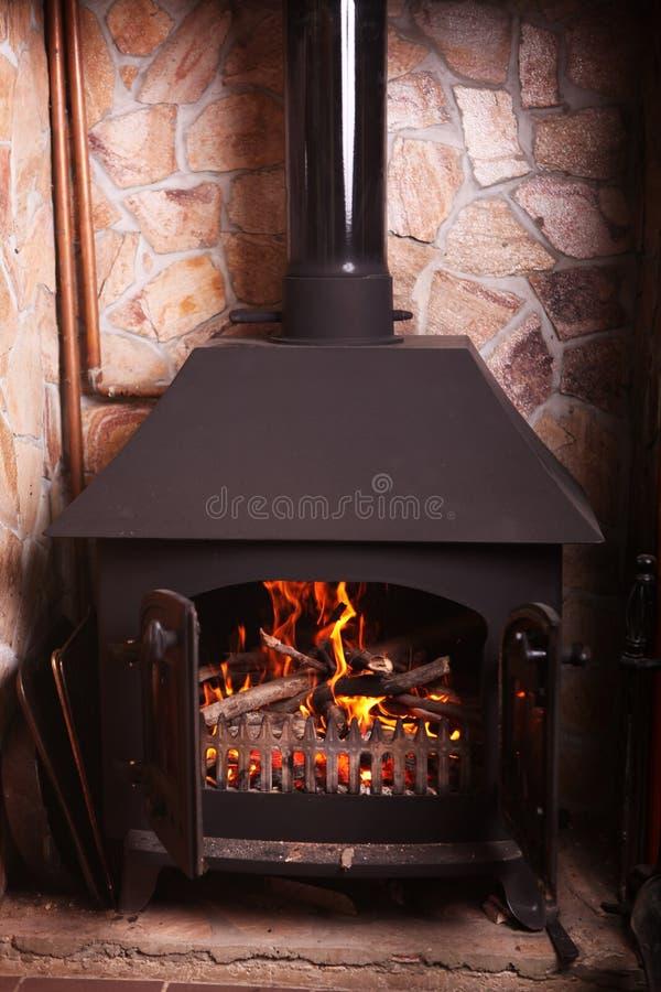 Старомодная горящая плита стоковое изображение rf
