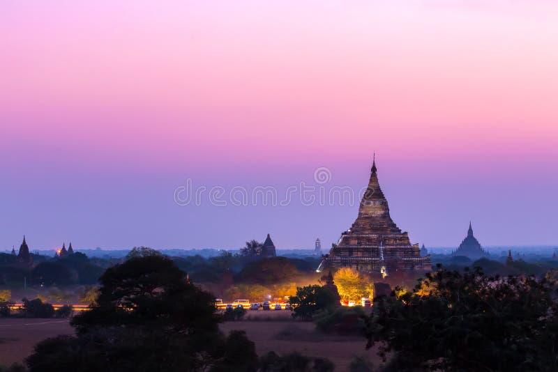 стародедовский bagan myanmar над восходом солнца стоковые фотографии rf