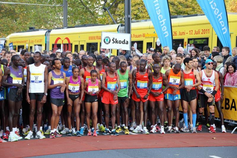 старт марафона frankfurt стоковое изображение