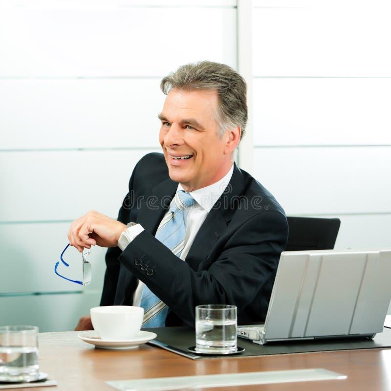 старший встречи менеджера стоковая фотография rf