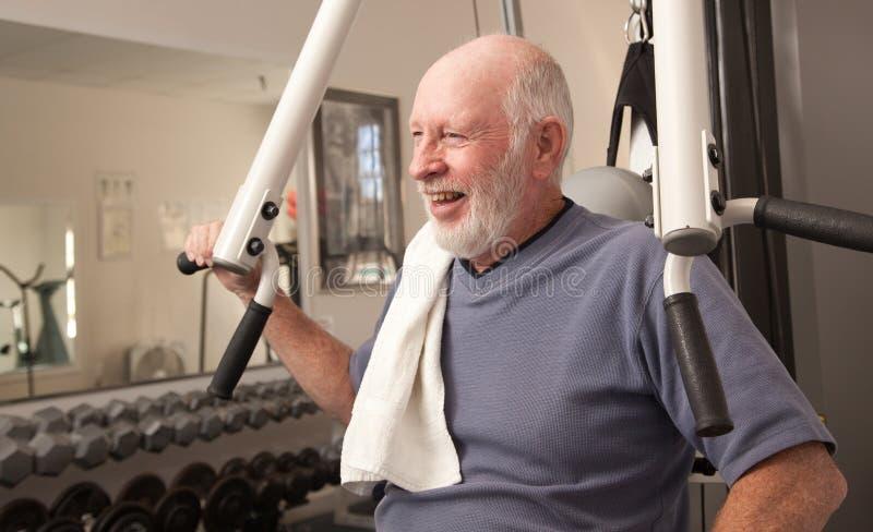 старший человека гимнастики счастливый стоковое фото