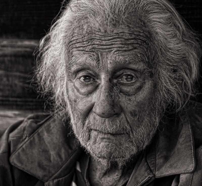 Download старший человека стоковое фото. изображение насчитывающей ворот - 41654570