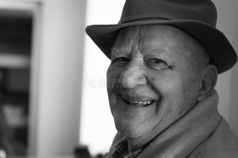 Старший человек с шлемом стоковая фотография rf