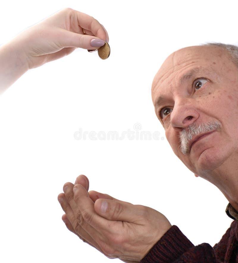 Старший человек умоляя для милостынь стоковые фото