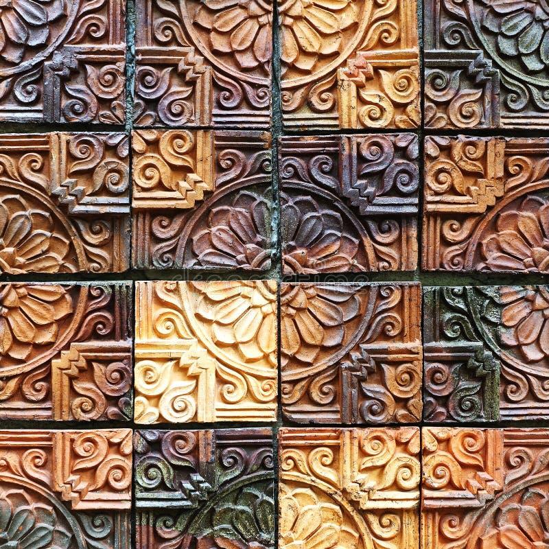 Старые винтажные картины плиток стены агашка handcraft от публики Таиланда стоковые изображения rf