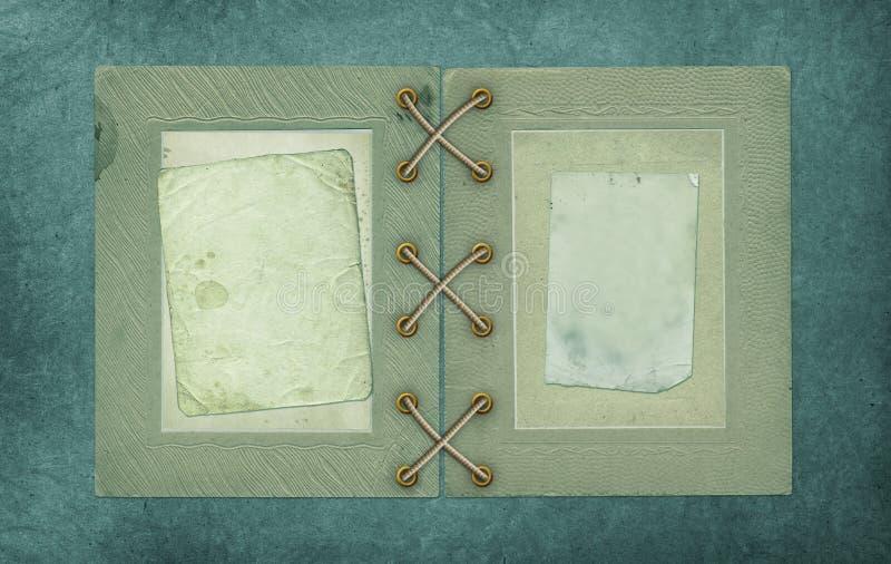 Старые винтажные открытки фото и крышка альбома на изолированной предпосылке стоковые фотографии rf