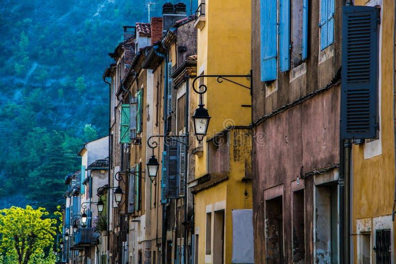 Старые выдержанные деревенские здания в Duravel, юго-западной Франции, Европе стоковая фотография rf