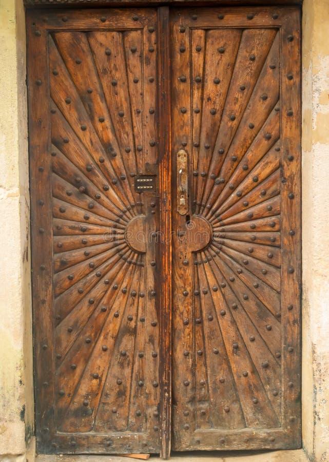 Старые двери металла стоковое фото rf