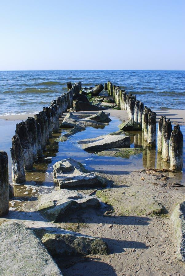 Старые деревянные Пэт Ландшафт моря стоковые изображения rf