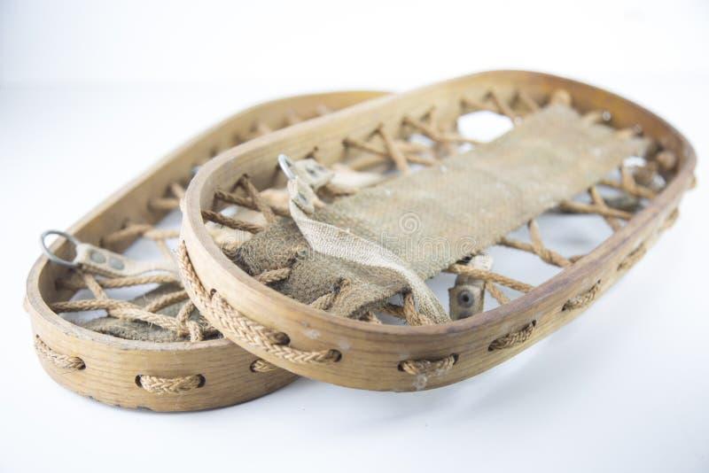 Старые деревянные snowshoes для длинных прогулок стоковая фотография rf