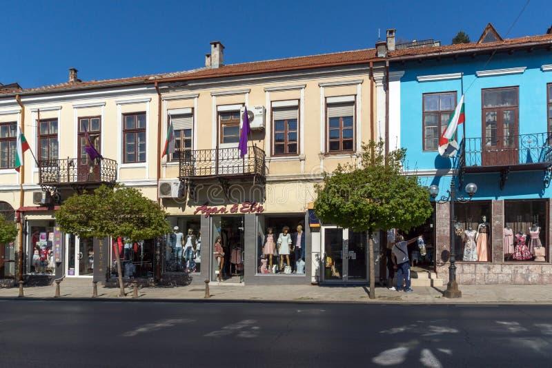 Старые дома на центральной улице в городе Veliko Tarnovo, Болгарии стоковое изображение