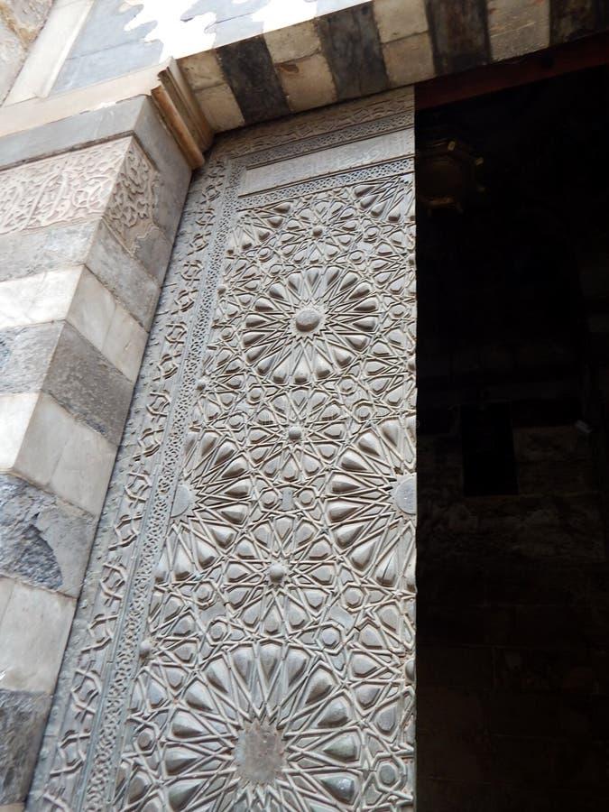 Старые деревянные детали двери стоковые изображения rf