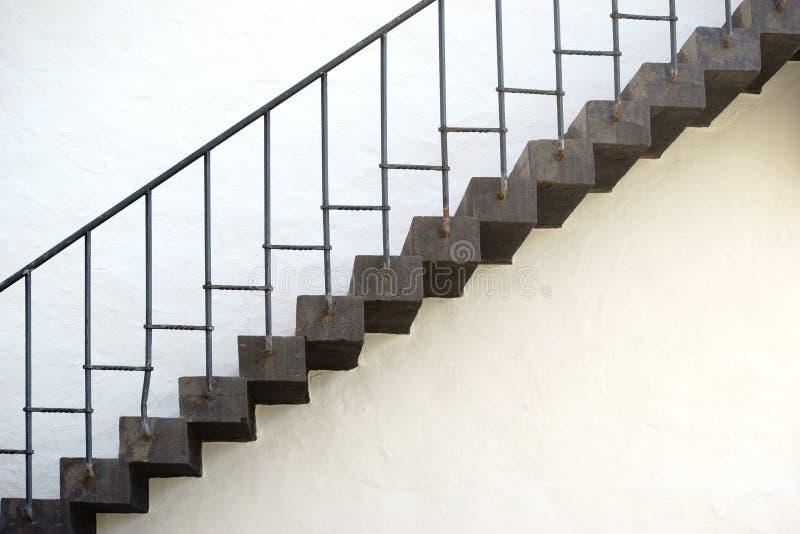 старые лестницы стоковые фото