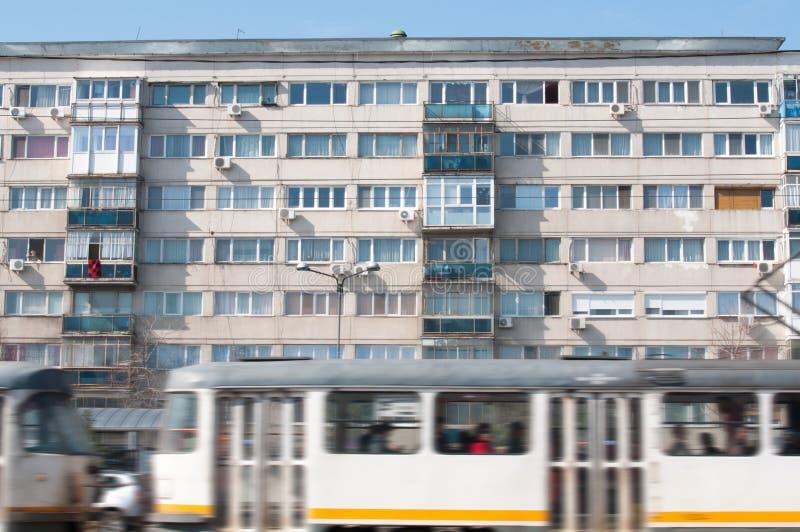 Старые жилой квартал и трамвай стоковое фото rf