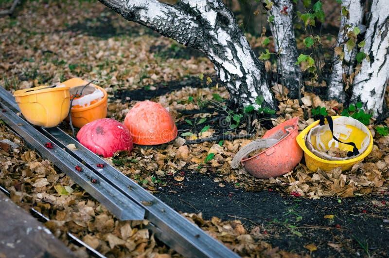 Старые защитные шлемы стоковая фотография rf