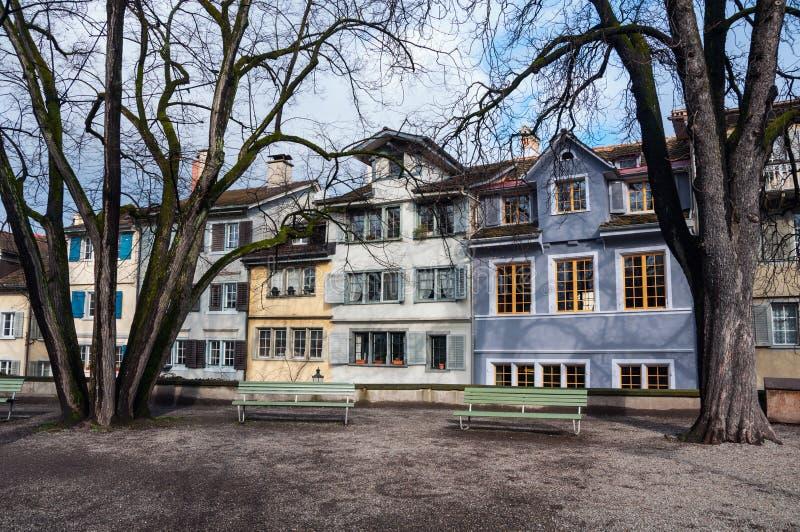 Старые здания в центре города Цюриха, Швейцарии стоковые фотографии rf
