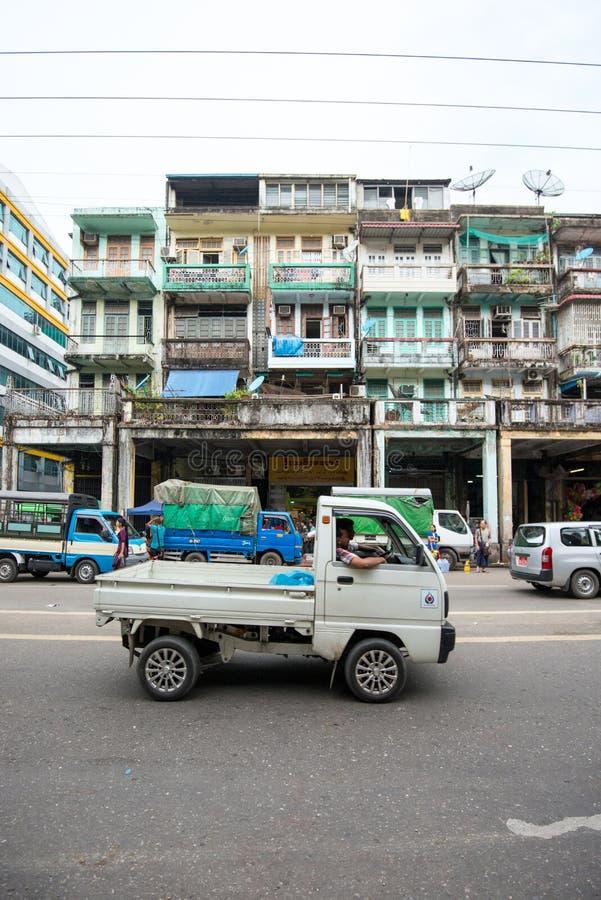 Старые здания в Янгоне стоковая фотография rf