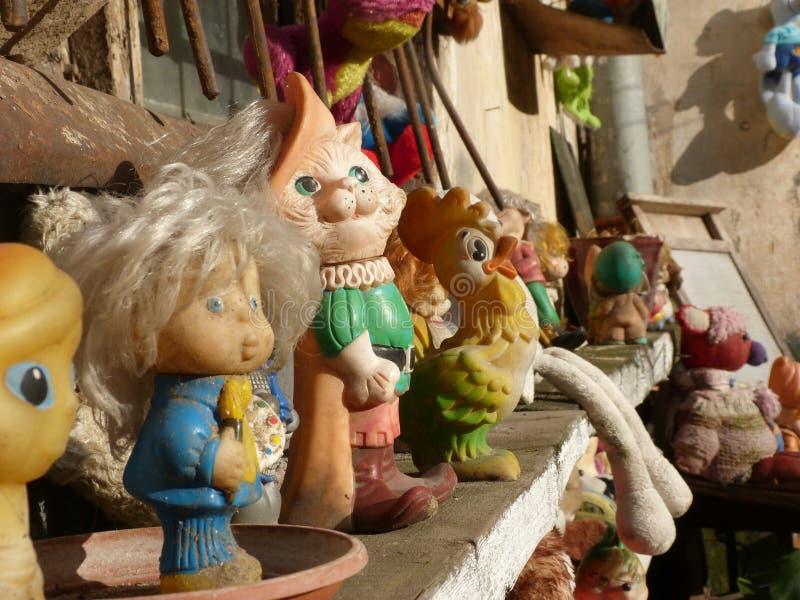 Старые игрушки детей стоковые фотографии rf