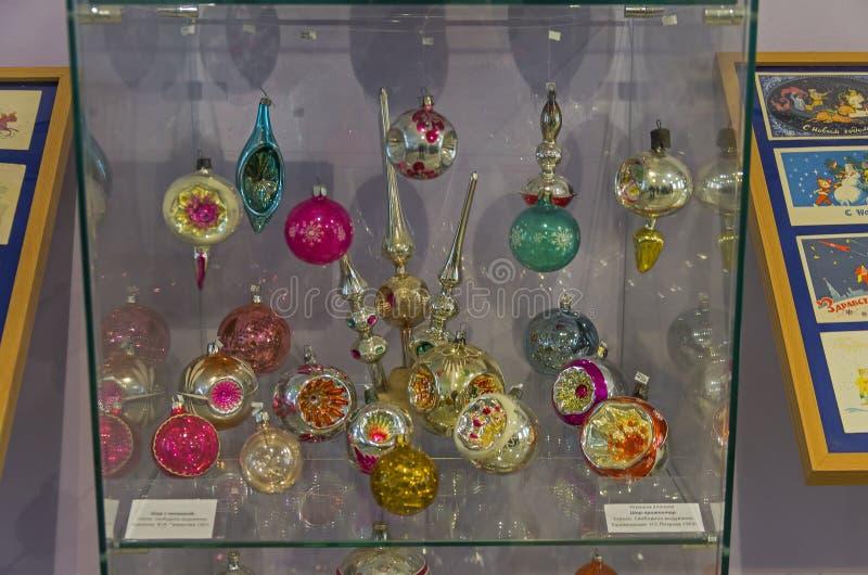Старые игрушки рождества - фары шариков стоковое изображение rf