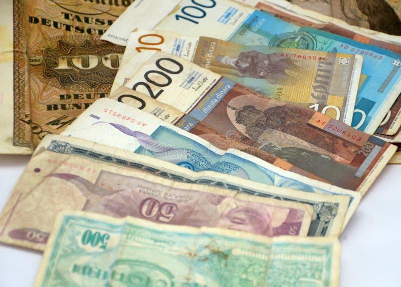 Старые динары Сербии, бумажные деньги стоковое фото rf