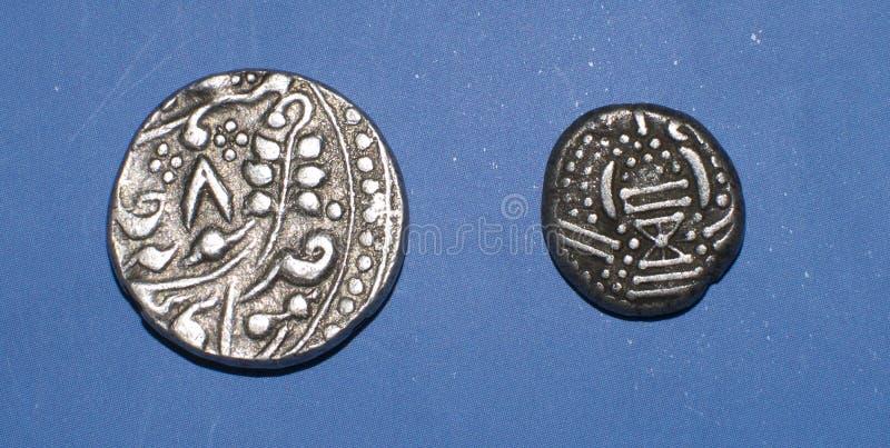 Старые индийские серебряные деньги стоковое изображение