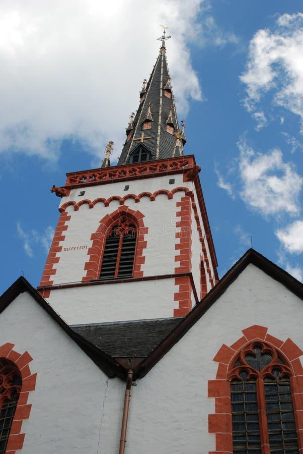Старые исторические церковь и шпиль в Ediger Германии стоковое фото