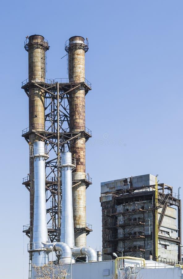 Старые и новые башни пара стоковая фотография