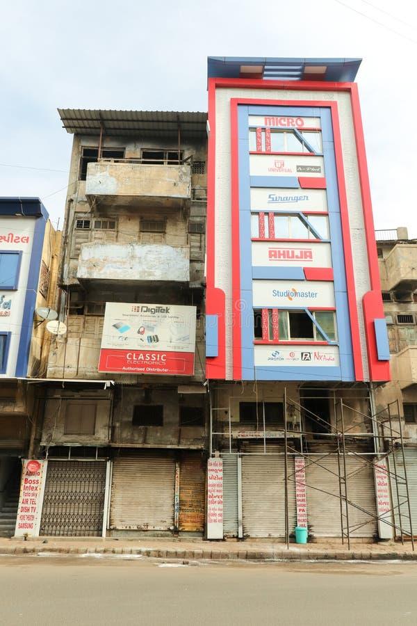 Старые и новые здания, Ахмадабад - Индия стоковое фото